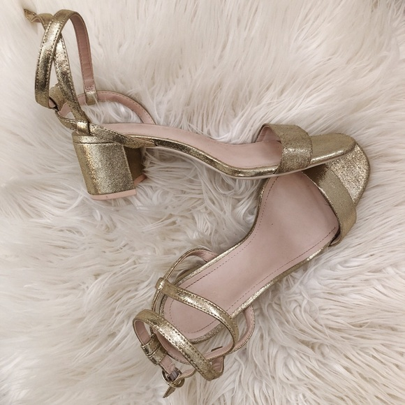 H&M Shoes - Gold heeled sandals